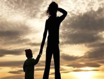 """אג""""ח חברתיות ישלב אימהות יחידניות בשוק העבודה"""